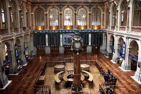 La bolsa de Madrid, es el principal mercado de valores de España, donde se negocian millones de valores al día